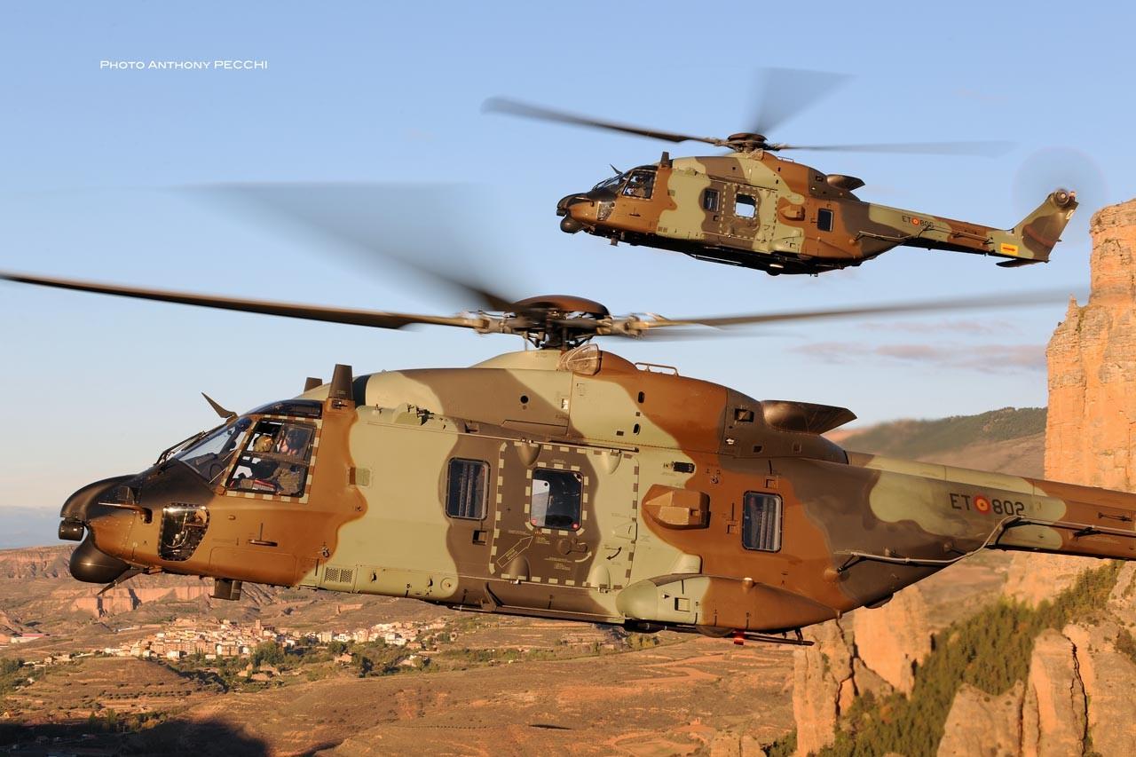 Deux NH90 espagnols en vols